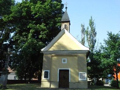 89e0189b2f374 2. Kaplnka svätej Trojice – hrob Antona Bernoláka